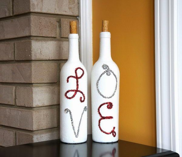 Painted Wine Bottles for Valentine's Day decoration - Homemade Wine Bottle Crafts, http://hative.com/homemade-wine-bottle-crafts/,