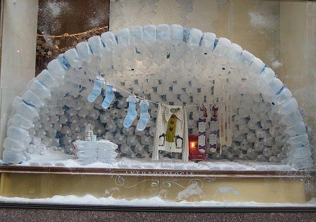 Anthro display - water jug iglooWater Jugs, Shops Windows Display, Milk Bottles, Snow Globes, Window Displays, Milk Cartons, Display Ideas, Recycle Windows, Milk Jugs Igloo