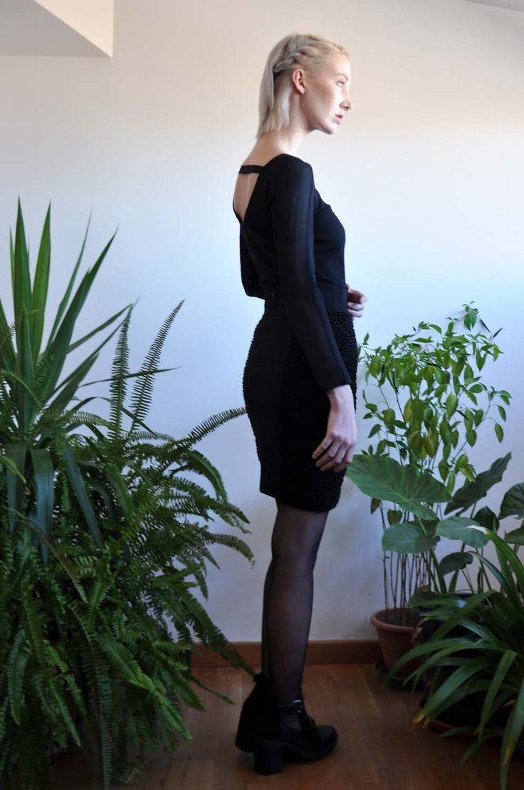 Aroma30 - Minimal chic Long sleeves top with silk georgette sections and cut-out on the back / Astrakan and jersey skirt