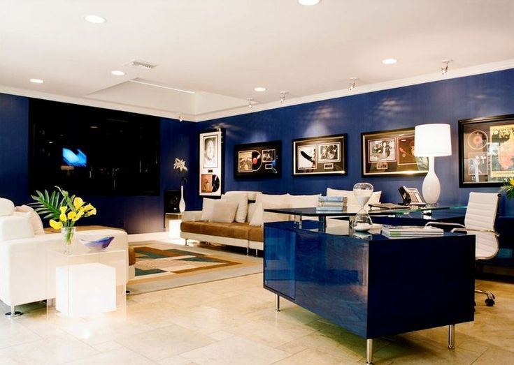 Fresh BLUE Dipped in Colors A Guide to Monochromatic Styling Dipped in BLUEBERRY http