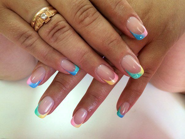 A French manicure has proved long ago that it can be different: a stylish, strict delicate, bright, not dull! The combination of transparent camouflage wit