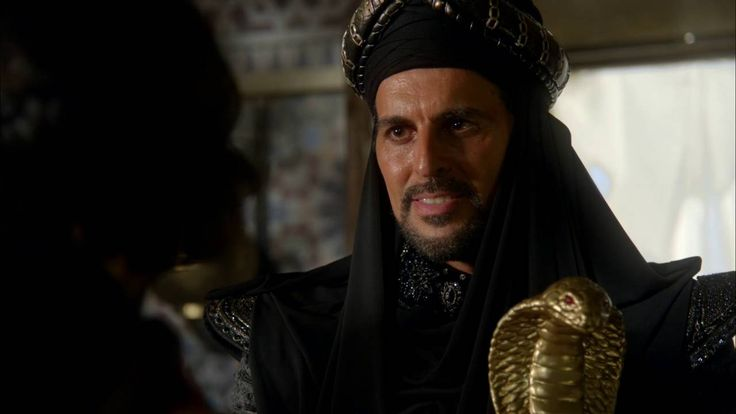 OOOOHHHH!!! I'm so glad they're finally bringing in Aladdin!! And the casting is so good, too!! Then there's what Jafar was saying about Saviours.....what the crap are Adam and Eddie going to do to Emma!?! Oh gosh, I srsly want season 6 now!!! Even more than before!!