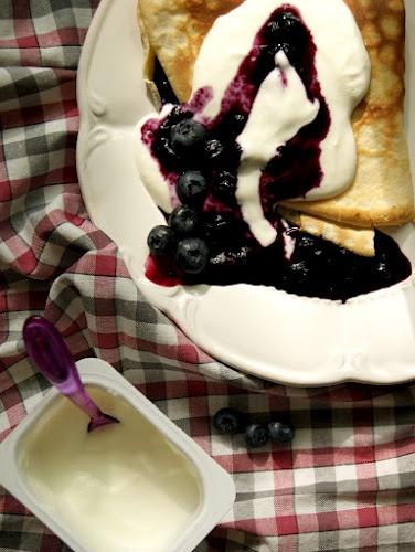 Naleśniki a la pierogi z jagodami  http://kulinarneinspiracje.blogspot.com