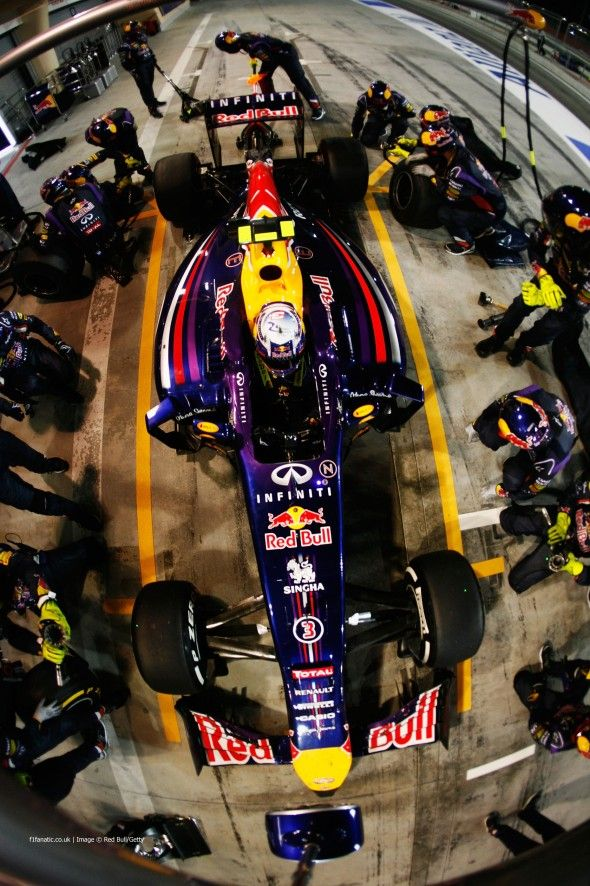 Daniel Ricciardo, Red Bull, Bahrain International Circuit, Bahrain Grand Prix, 2014