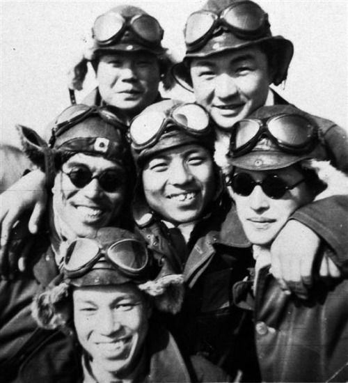 Kamikaze pilots.  The man in the center  survived the war.