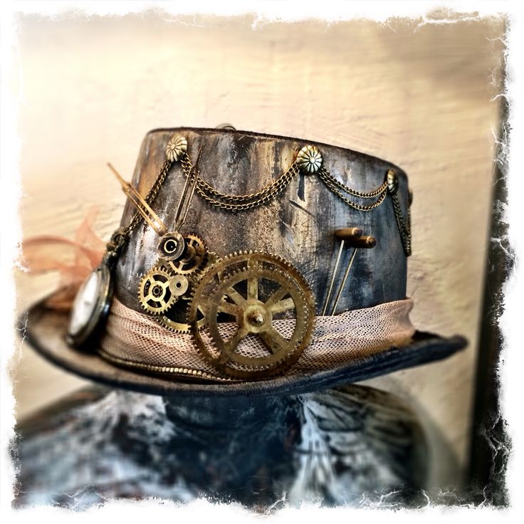 My steampunk hat. Made out of an old New Year hat and an old clock. #Steampunk #ChalkPaint #ZibenZak #DIY