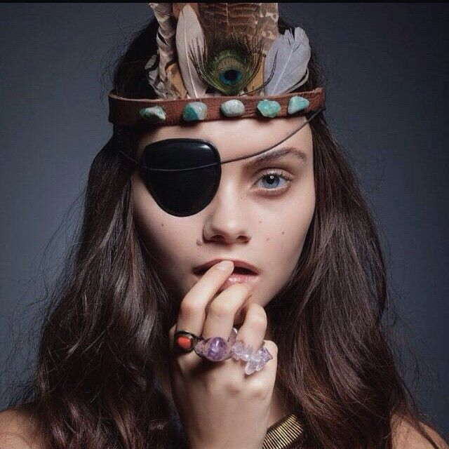 Indian pirate 🍂🍂🍂🍂💣💣⚓️⚓️⚓️ #closeup @icemodelscpt #eyepatch #photoshoot makeup by @kellysweeeet hair by @kris_klb shot by @frankellisphotography styled by @thefreechild