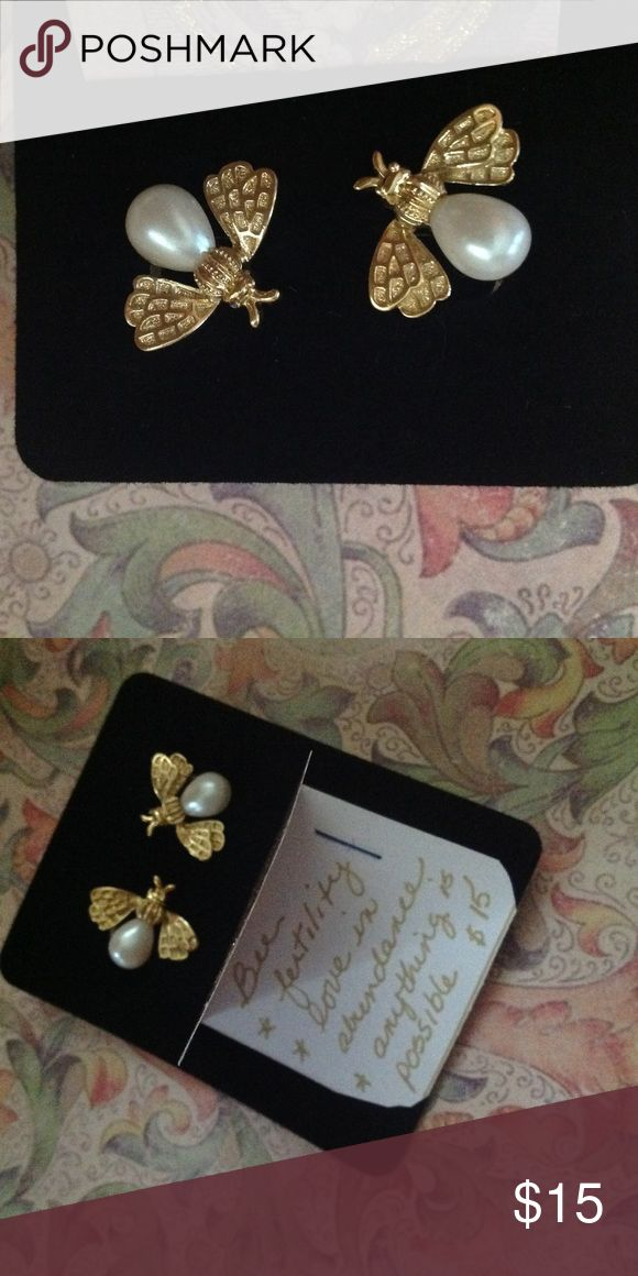 Bee and pearl vintage clip earrings The bee is symbolic of love and promise! Wear these darlings and let the meaning of nature's honeybee bring you luck and happiness! Clip, vintage. Jewelry Earrings