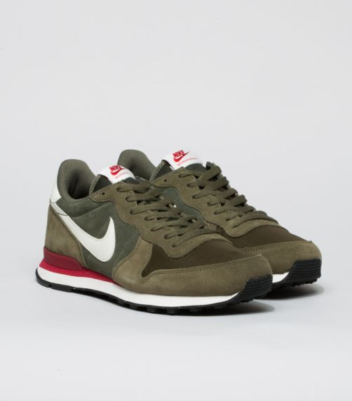 The Nike Internationalist Leather Men's Shoe has an iconic look inspired by…