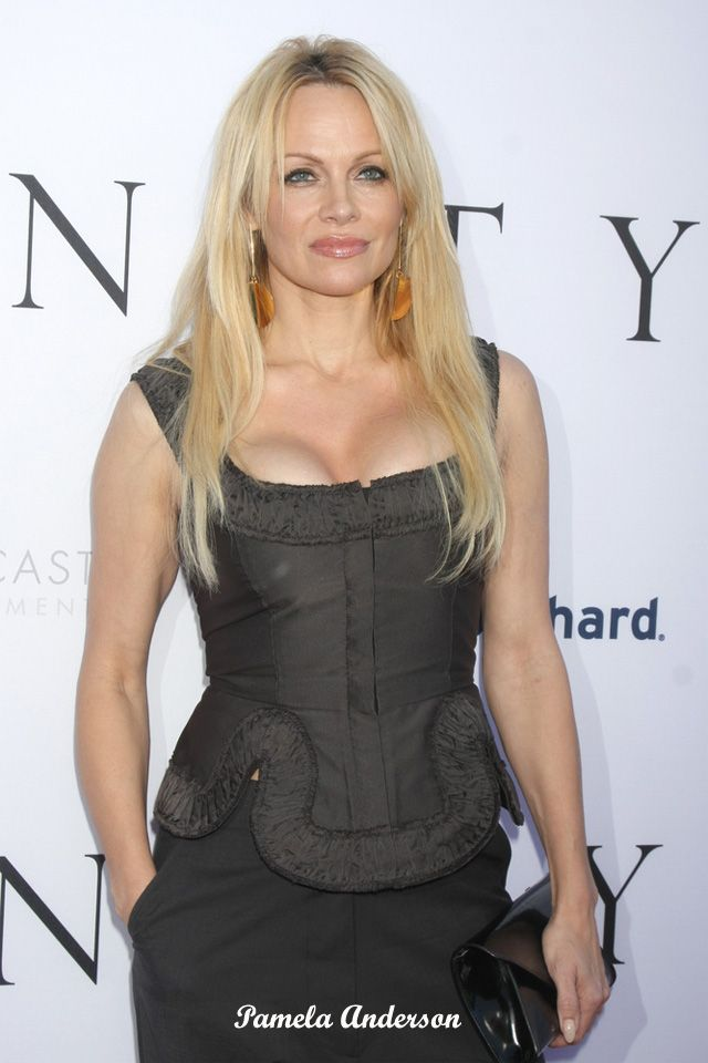 We just love Pammy with or without implants.  Is it true she had them removed, or is thinking about it?  #pamelaanderson #breastsurgery #boobjob #breastimplants #breastaugmentation #celebritysurgery #plasticsurgery #cosmeticsurgery #PSHub #plasticsurgeryhub #boobs