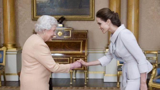 Angelina Jolie Latest News | Angelina Jolie's New Title: Honorary Dame - Yahoo News