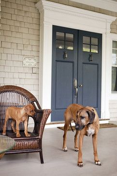 Midnight navy bm I'm a smitten kitten for this front door – not just the style, but the overall color palette (and those beautiful pups!).  So crisp and fres...