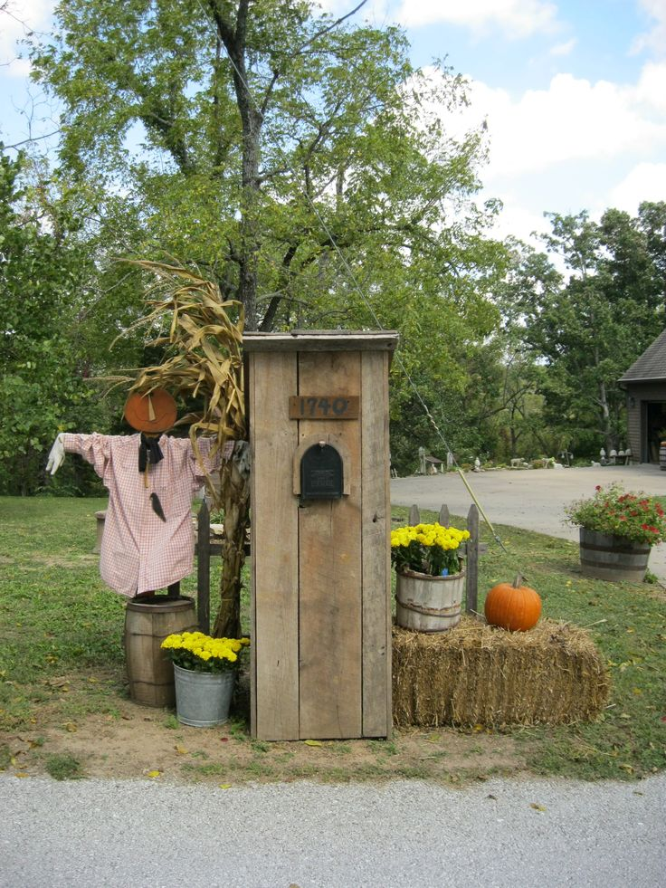 17 Best images about My Halloween Decorations on Pinterest  ~ 222911_Halloween Decorating Ideas For Mailboxes