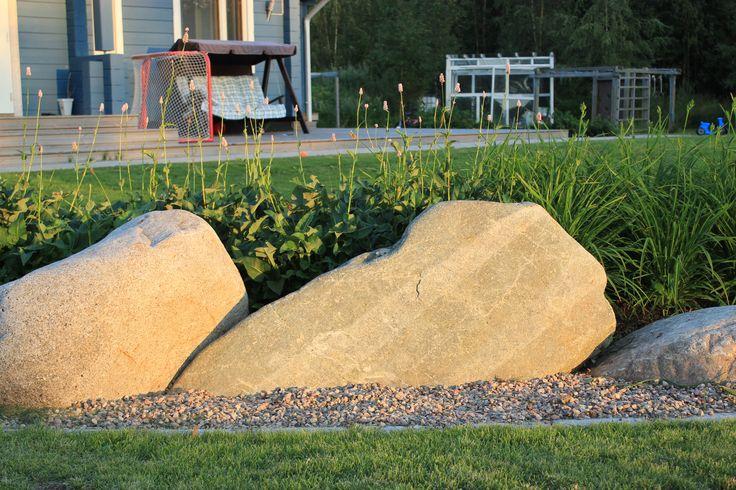 #luonnonkiviä #isokonnantatar #päivänlilja #naturalstones #bistort #hemerocallis