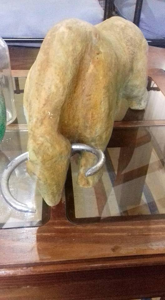 Toro de Ziña con técnica de oxidos