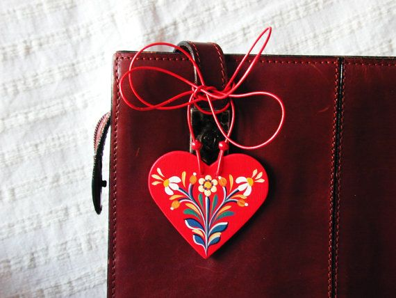 Tisane - Series 01 - red, handpainted heart 2-in-1 necklace and bag jewellery inspired by traditional, historic Transylvanian style