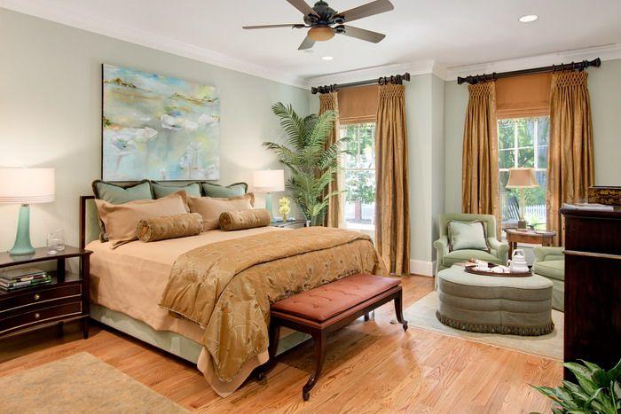 Indoor Plants In Traditional Bedroom