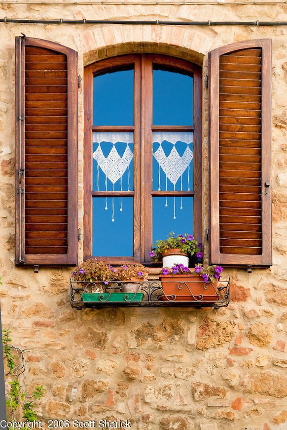 Oltre 25 fantastiche idee su tende per finestra su - Finestra italiana ...