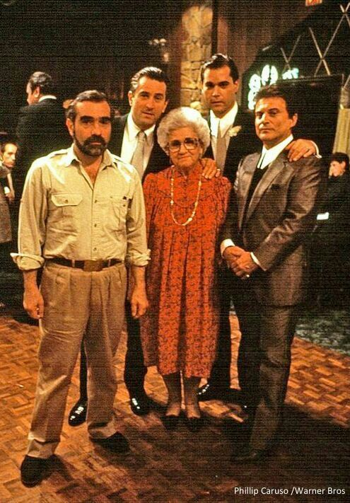 Martin Scorsese, his mother and cast of Goodfellas