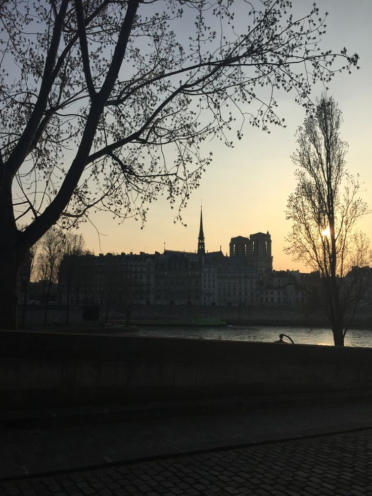 Tramonto parigino