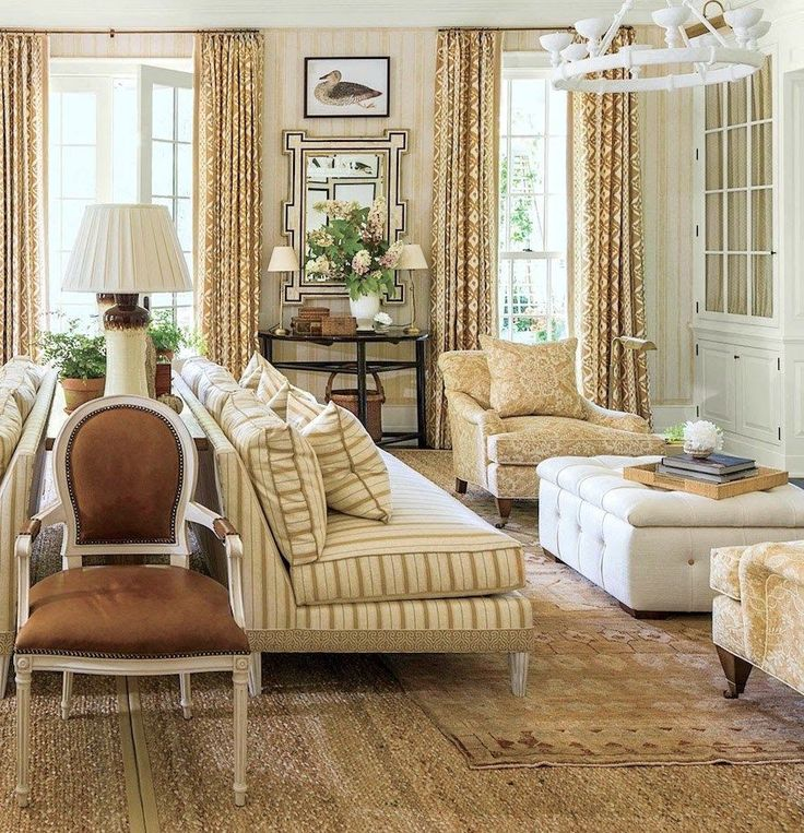 Best 25 southern living rooms ideas on pinterest for Mark d sikes living room