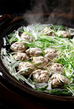 Recipe: Tsumire Nabe, Japanese Winter Hot Pot of Aji Mackerel Fish Dumpling and Mitsuba and Negi Green Onion アジのつみれ鍋