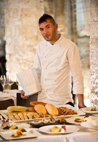 """Lo chef mitteleuropeo, Giovanni Lorusso, """"maître de santè"""", chef delle due S: Sapore e Salute Dopo aver girato per l'Europa è tornato in patria ed è entrato a far parte della FIC"""