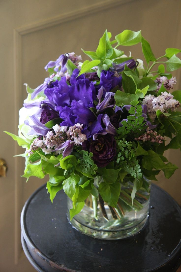 Image Result For Lilac And Hydrangea Arrangements Hydrangea Arrangements Flower Arrangements Beautiful Flowers