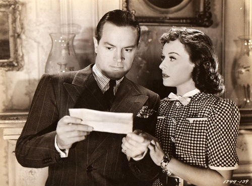 "Bob Hope & Paulette Goddard in ""The Cat and the Canary"" (1939). Wish I could find this movie again.:"