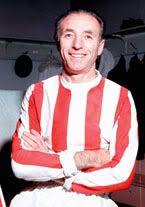 """Stanley Matthews: Se dio el lujo de jugar hasta los 50 años (""""y hasta los 50 jugando"""") en la máxima división de Inglaterra. Debutó en 1932 con 17 años y se retiró tras 33 de carrera, en 1965"""