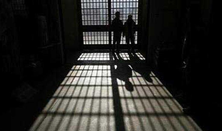 Dua budak lelaki disyaki jadi pendera seksual ditahan   Dua budak lelaki masing-masing berusia 10 dan 11 tahun ditahan di Limbang bagi membantu siasatan kerana disyaki melakukan penderaan seksual ke atas budak perempuan berusia sembilan tahun.  Foto AFPMIRI 11 Sept  Dua budak lelaki masing-masing berusia 10 dan 11 tahun ditahan di Limbang petang tadi bagi membantu siasatan kerana disyaki melakukan penderaan seksual ke atas budak perempuan berusia sembilan tahun di Limbang malam semalam…