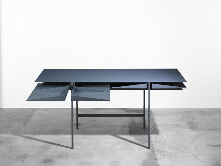 Name: Folia Desk Designer: Leon Ransmeier Location: New York, New York