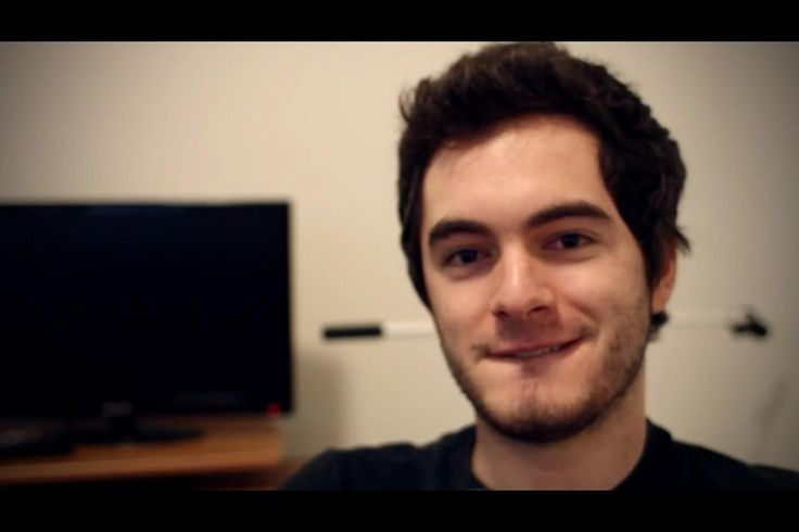 CaptainSparklez. Because I really, really am in a nerd love mood. #hotyoutubers