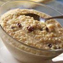 Συνταγή πουτίγκα κινόα με γάλα φυτικό. Ιδανικό για πρωινό γεύμα σε νηστεία και χορτοφαγία.