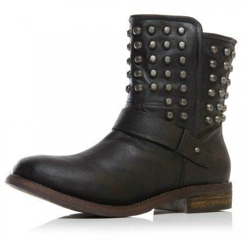 http://zapatosdefiestaonline.com/2014/03/26/modelos-de-botas-planas-para-mujer/