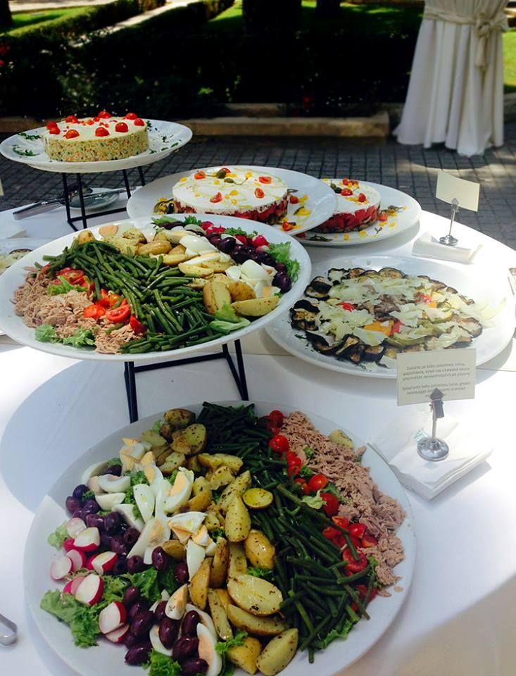 Επαγγελματικό μεσημεριανό γεύμα για τη Servier Hellas, στους χώρους της εταιρείας στο Χαλάνδρι.  Το buffet μενού που δημιούργησε η #ARIAFineCatering περιλάμβανε μια ποικιλία από άψογα μαγειρεμένα εδέσματα, ολόφρεσκες σαλάτες, δροσερά φρούτα εποχής και λαχταριστά επιδόρπια.