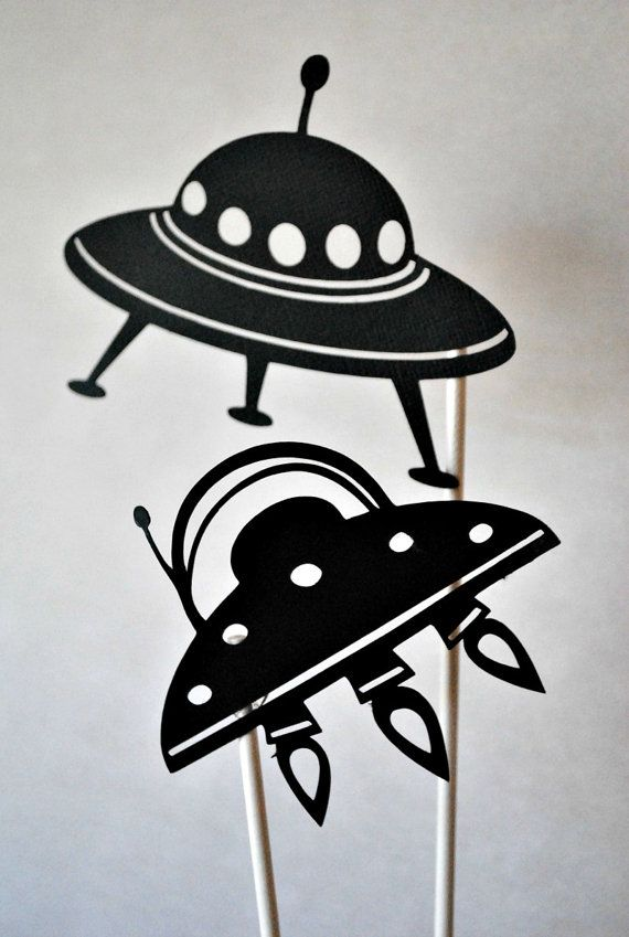 UFO shadow puppets