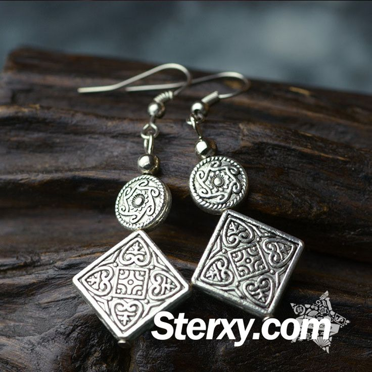 It's time to update your style with this pair pf simple yet elegant silver earrings. With intricate patterns that are hand carved, it displays delicacy. Find more on the following link. Buy now!     http://www.sterxy.com/category/Fashion-Jewelry/160.html
