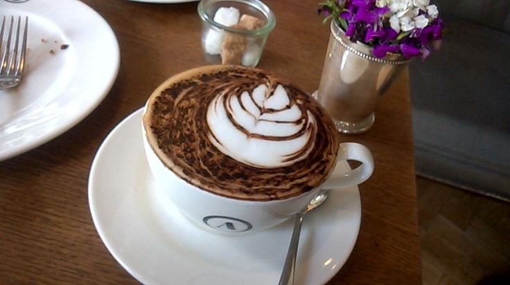 One of the best Cappuccino with balance taste of espresso and milk, plus a touch of bluss on the art work #AcmeBarCoffee #Troika #Cappuccino #MorningCoffee #GreatCoffee #Cafe