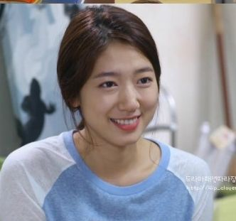 ep4 Park Shin Hye as Cha Eun Sang : Hall house shirts [The Heirs]