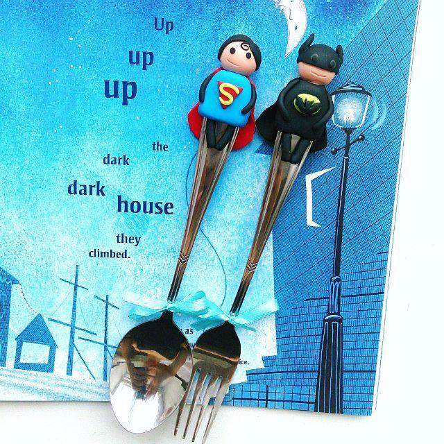 Up up up the dark house they climbed... Бэтмен и супермен спешат на помощь Столовые приборы на заказ ________________________ Все ложечки в группе Вк по альбомам,активная ссылка в профиле ⬆ здесь ➡ #lerasandrovna_crafts #spoon #kitchen #cucina #kitchenwear #handmade #polymerclay #worldbestideas #icecream #cake #cupcakes #вкусныеложечки #ложечки #праздник #дети #торт #подарки #свадьба #идеи #мороженое #ручнаяработа #Казань #рукоделие #творчество #полимернаяглина #фигурки #лепнина
