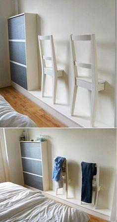 Se la camera non è spaziosa come vorreste, sfruttate al massimo le pareti! Appendiabiti fai da te! #diy