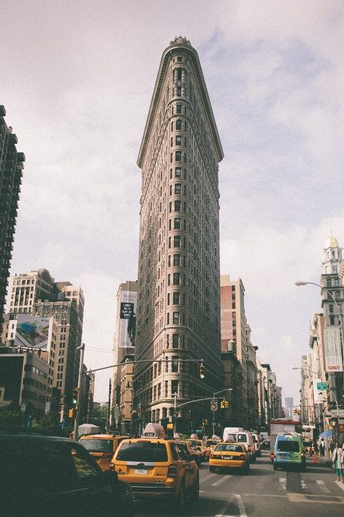 Flatiron Building (Fuller Building) - Manhattan, New York