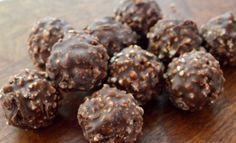 Σοκολατάκια Ferrero Rocher με 4 μόνο υλικά από το Sintayes.gr !