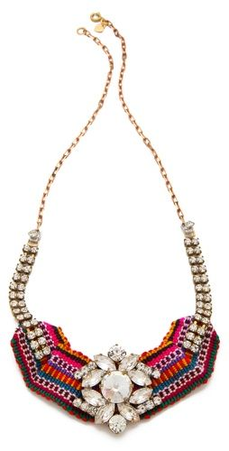 In love with this statement necklace!