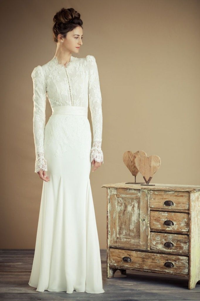 Love this victorian theme modest-wedding-dress