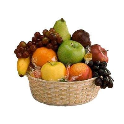 Подарочная корзина фруктов с бесплатной доставкой в Москве http://www.dostavka-tsvetov.com/korziny-s-fruktami/vitamin-s
