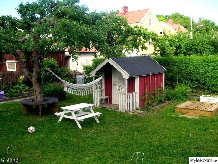 lekstuga,sittbänk,trädgård