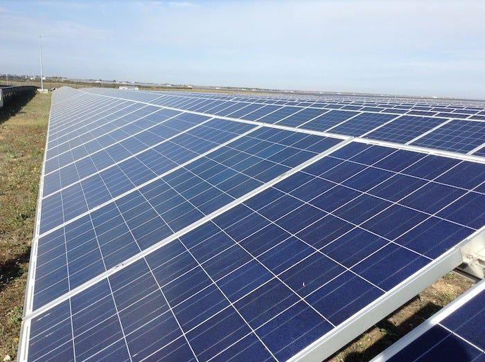 India Allocates 1 2 Gigawatts In World S Largest Renewable Energy Storage Tenderhttps Cleantechnica Com 202 In 2020 Renewable Energy Companies Renewable Energy Solar