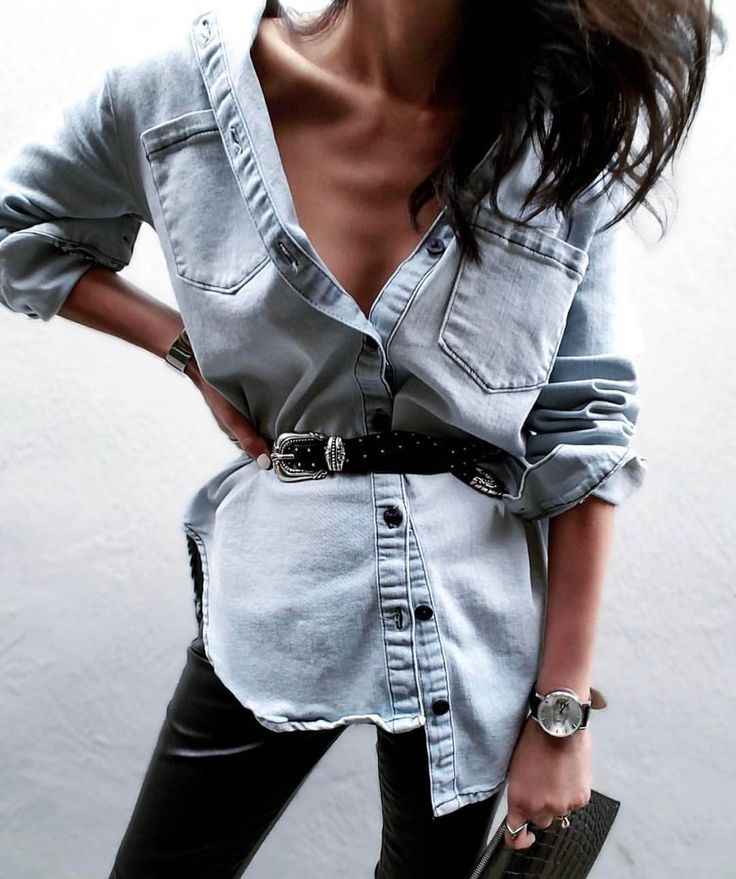 Ecco un modo carino per indossare la classica camicia di jeans; più sbottonata e con cintura in vita. Inutile dirvi che potete trovare modelli simili dovunque - da H&M partendo da 24,99 €. Per quanto riguarda la cintura, da Stradivarius un modello simile, con doppia fibia, a 5,99 € ✌🏻👛🌟 Ps) Oggi ho lo stesso entusiasmo di Mercoledì Addams, ma penso si sia percepito. Foto: @jazy_g 📷🎀